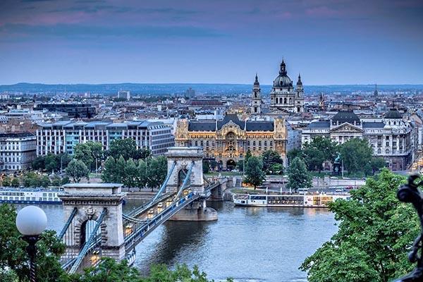 Budapesht Poytaxt Universiteti